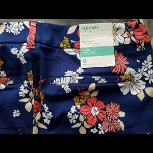 NWT Old Navy women's floral ankle pants